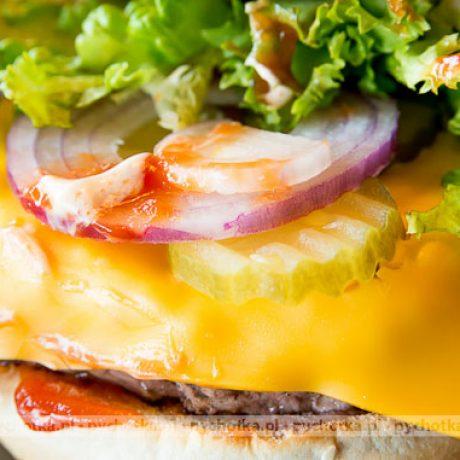 Włosko-amerykańskie hamburgery z serem