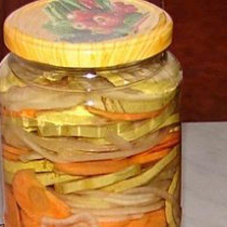 Sałatka warzywna na zimę
