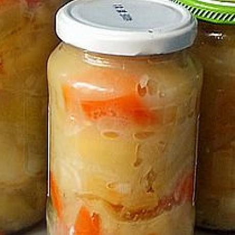 Sałatka z jabłek i papryki konserwowana