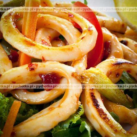 Kalmary z ryżem i pomidorami