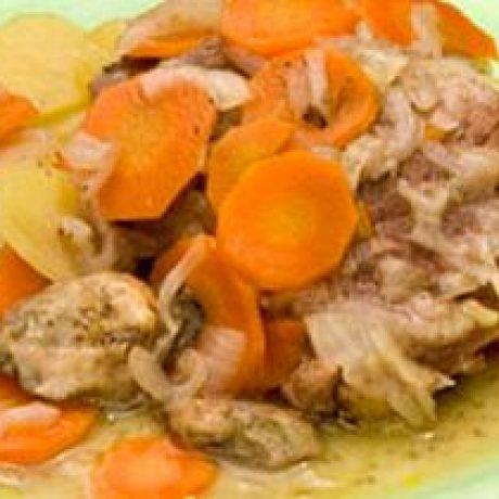 Mięso jagnięce duszone z warzywami