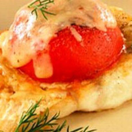 Filet ze szczupaka zapiekany z pomidorem