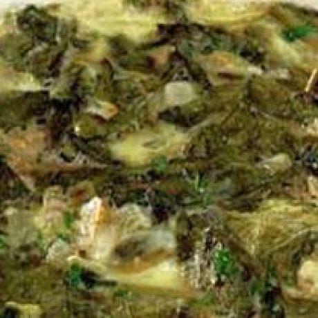 Szpinak z ziołami i jajkami