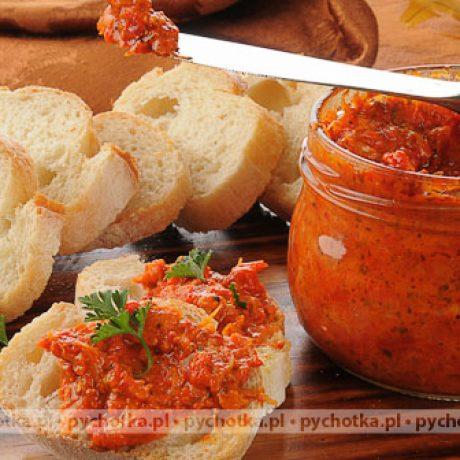 Pasta z wędzonego dorsza i koncentratu pomidorowego