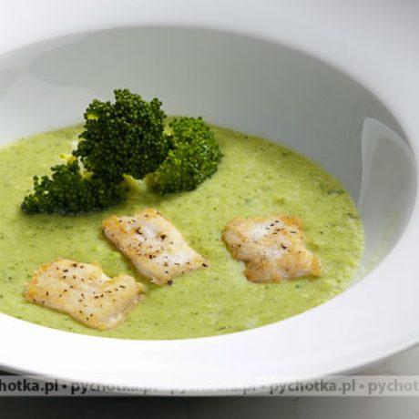 Bardzo pożywna zupa rybna ze szpinakiem