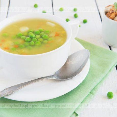 Zupa z ogórka i zielonego groszku z jajkami z wody