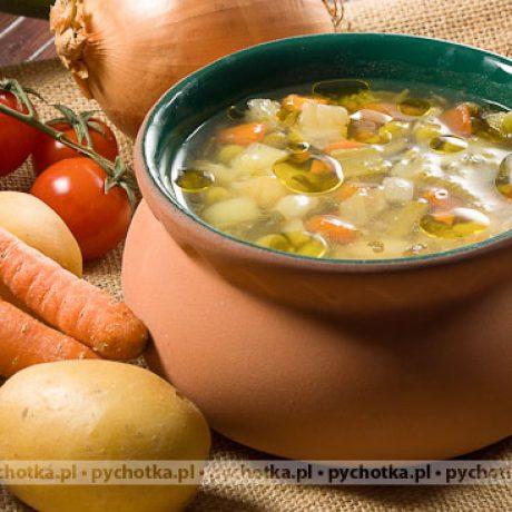 Pożywna gęsta zupa jarzynowa
