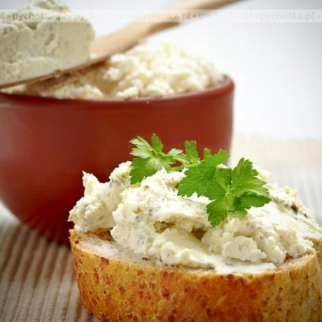 Pasta z makreli, cebulki i masła