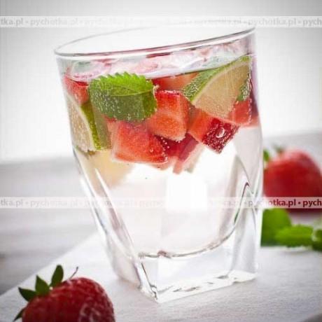 Drink z owocami