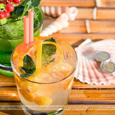 Bezalkoholowy drink owocowy