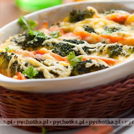 Brokuł zapiekany z jajeczną masą