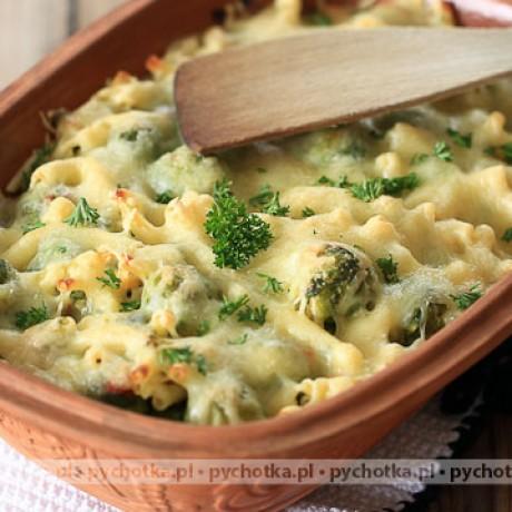 Brokuł zapiekany z serem i kurczakiem