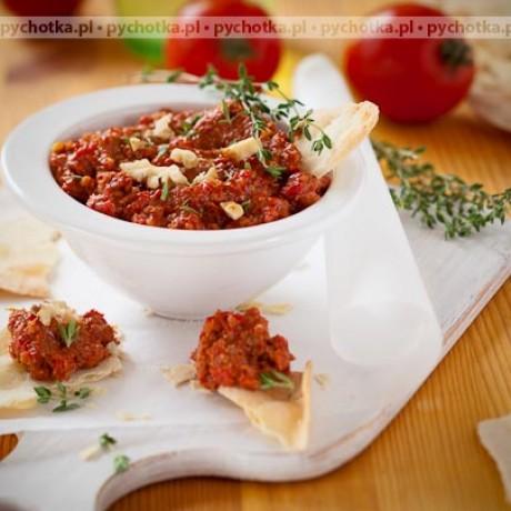 Pesto z suszonych pomidorów z bazylią