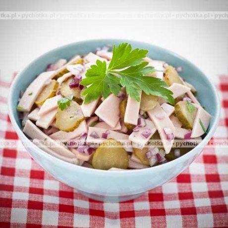 Sałatka z szynki konserwowej i ogórka Julki