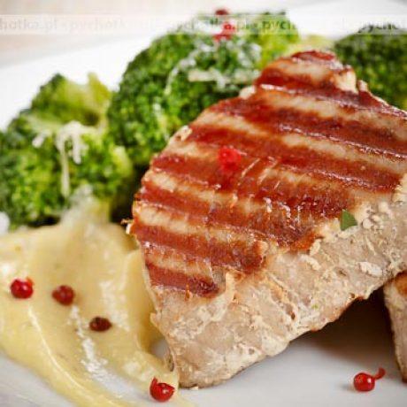 Marynowany stek z tuńczyka