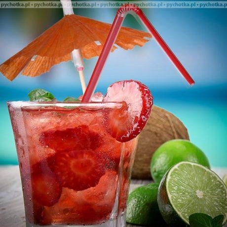 Herbaciany napój z truskawkami